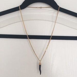 Jewelry - Gold toned necklace with black onyx stone pendant